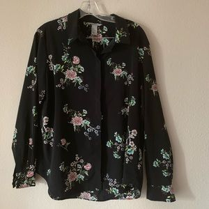 H&M flowered button down blouse